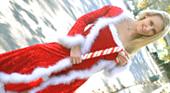 マジソン・フォックス - 金髪ノーパンサンタがやって来た!日本男児におもちゃで電マで責められる!