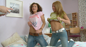 フランシー ラリー - 若妻&女子大生レズエロコンビが1つのチンポを2人で楽しむ! やり盛りの女たち
