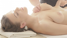 �ǹ��Υޥå������ƥ��˥å��Ǥ���Ƥʤ��פ��ޤ���Oil Massage Salon Today`s Guest Ms.LAINA