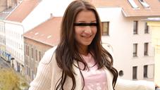 SNSサイトで知り合った18歳の美少女は、何でもいいなりのエッチで可愛い潮吹き娘でした・・GACHI-NANPA COLLECTION CINDY