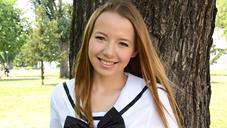 オリビア 一般会員様2日間限定配信 初心で可憐な18歳美少女が金8天國で衝撃的デビュー DEBUT OLIVIA