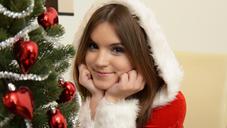 クリスマス期間限定再配信 あなたの願い事、叶えてあ・げ・る VOL1 クリスマススペシャル動画 18歳超絶新人 EVELINA